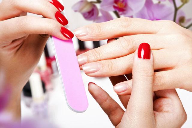 Czym jest manicure medyczny?